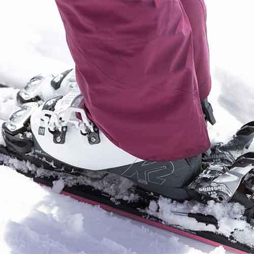 grosse Auswahl an Skischuhen